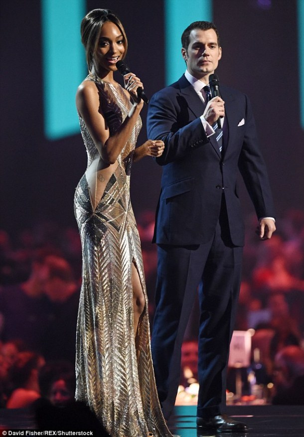 318695D600000578-3463399-Chic_couple_Jourdan_Dunn_and_Henry_Cavill_partnered_up_at_the_BR-m-118_1456396801038