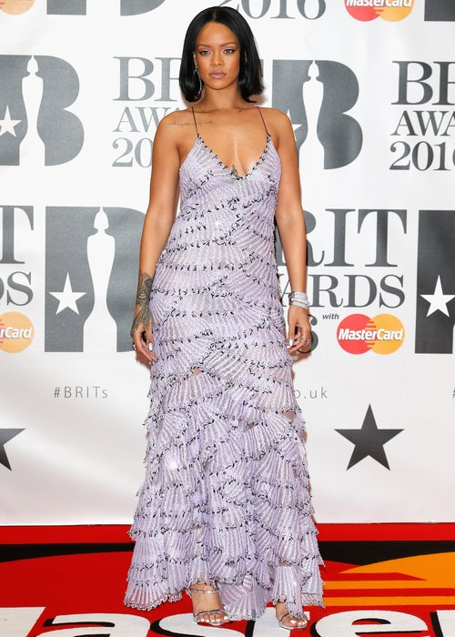 rihanna-red-carpet-arrivals-brit-awards-2016-1456341620-custom-0